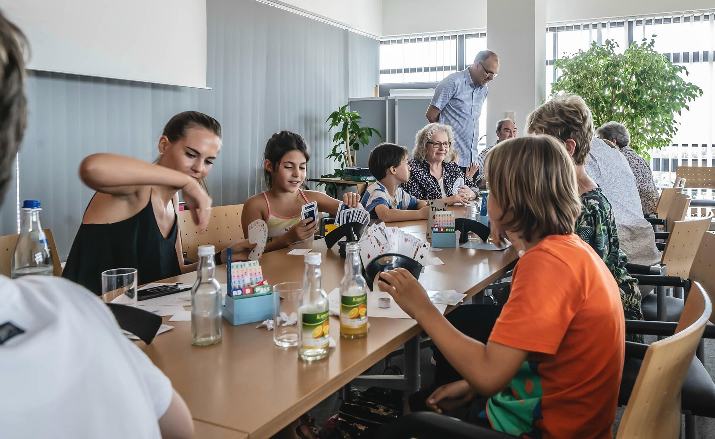 """Am 25. Juli lud die Sparkasse Fürth – gemeinsam mit der Initiative """"Bridge-Stadt Fürth"""" - zum 3. Fürther Sparkassen-Pokal."""