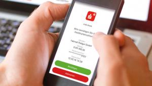 Um in Zukunft Online-Kartenzahlungen sicher durchführen zu können, jetzt S-ID-Check-App herunterladen. Der neue Sicherheitslevel für Ihre Kreditkarte.