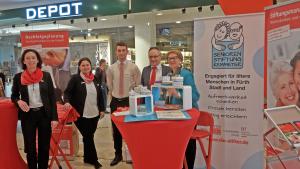 """Die Seniorenmesse """"LebensFroh mit 60 plus"""" war ein Erfolg. Themen der Sparkasse Fürth und der Seniorenstiftung gefragt bei den Besucherinnen und Besuchern."""